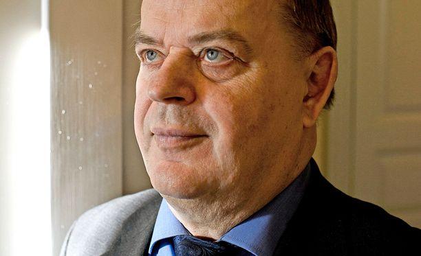 – Liian vähän liian myöhään, arvioi ex-valtiosihteeri Raimo Sailas hallituksen rakennepakettia.