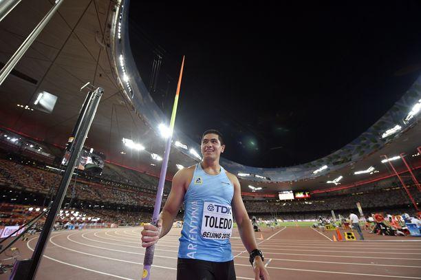 Vuonna 1993 syntynyt Argentiinan keihästähti Braian Toledo on heittänyt parhaimmillaan 83,32. Kuva Pekingin MM-kisoista 2015.