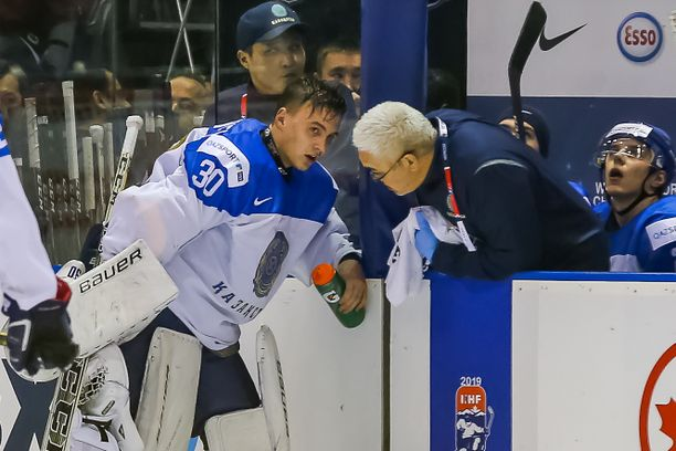 Demid Jeremejev oli yleisön suosikki Suomi-Kazakstan-ottelussa jääkiekon alle 20-vuotiaiden MM-kisoissa Kanadassa.