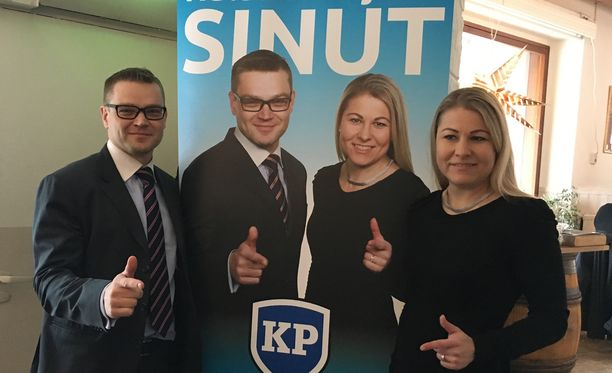 """Kansalaispuolueen puheenjohtaja Sami Kilpeläinen ja varapuheenjohtaja Piia Kattelus kertoivat, että puolueeseen on tullut """"ryöppynä"""" uusia jäseniä viime viikkoina."""