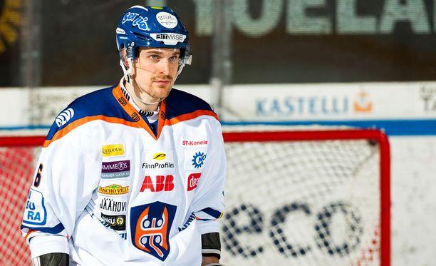 Pekka Saravo.