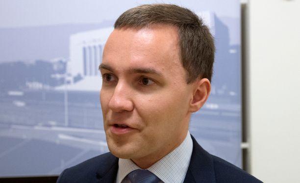 Wille Rydman tylyttää Alexander Stubbin puheenjohtajakautta.