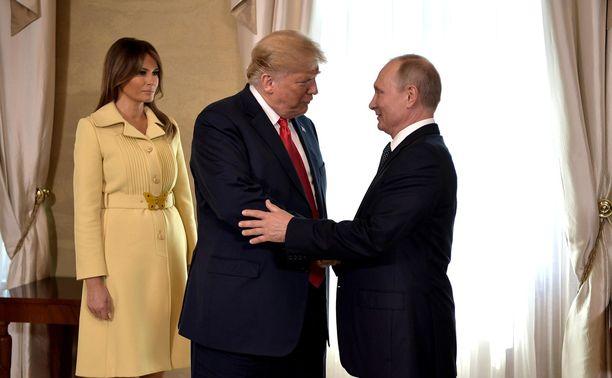 Yhdysvaltain presidentti Donald Trump (kesk.) ja Venäjän presidentti Vladimir Putin (oik.) ovat suurvaltojen johtajina paljosta vastuussa. Kuva Helsingistä heinäkuulta 2018.