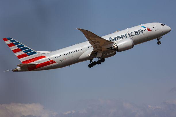 Matkustusrajoituksia Yhdysvaltoihin höllätään marraskuussa.