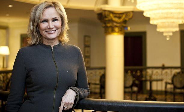 Iltalehdelle antamassaan haastattelussa Eija-Riitta Korhola kertoo, ettei hän halunnut tulla julkisuuteen sairautensa aikana, koska halusi suojella itseään.