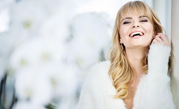Erika Vikman tunnetaan monipuolisena esiintyjänä.