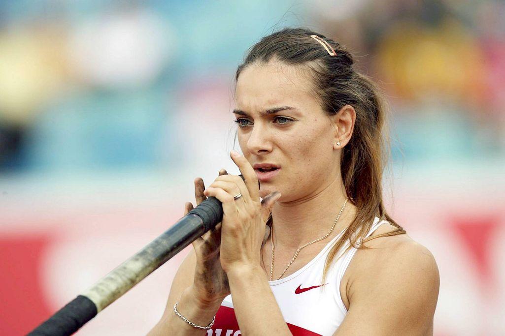Mikä on Venäjän Jelena Isinbajevan vuonna 2009 hyppäämä naisten seiväshypyn maailmanennätys? Pelaa keskiviikon 10 kysymystä!
