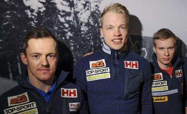 Sami Jauhojärvi (vas.), Iivo Niskanen ja Matti Heikkinen muodostavat timanttisen tiimin sunnuntaina Falunin maailmancupin 30 kilometrin kilpailussa.