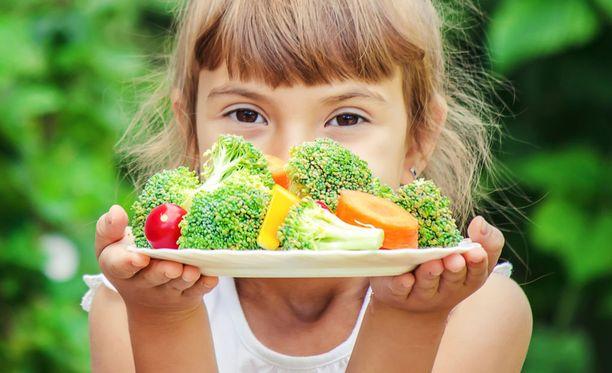 Syksyllä on ehkä kaikkein helpointa syödä kasvisvoittoisesti. Tarjolla on juureksia, marjoja, kasviksia, sieniä...