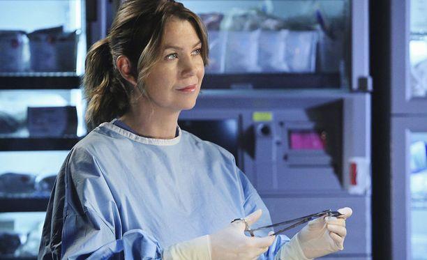 Ellen Pompeon esittämä Meredith Grey on sarjan nimihahmo.