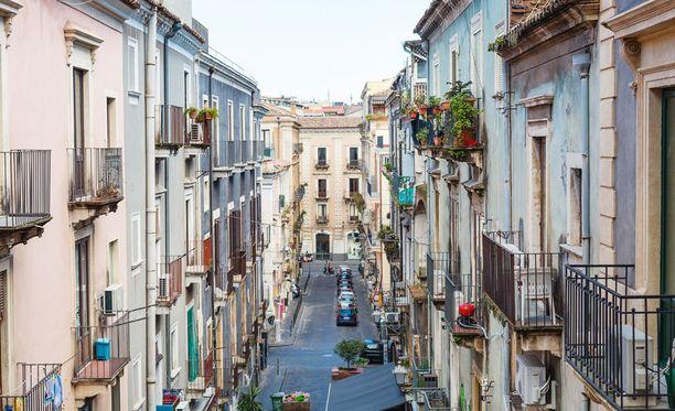 Seitsemän neliön asunto sijaitsee keskellä Roomaa, Castel Sant'Angelon ja St. Peter's Squaren lähettyvillä.