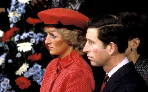 """Prinsessa Dianasta hurjia väitteitä uutuusdokumentissa - puolusti Williamia ja haukkui Charlesin: """"Avioliitto oli yhtä helvettiä alusta alkaen"""""""