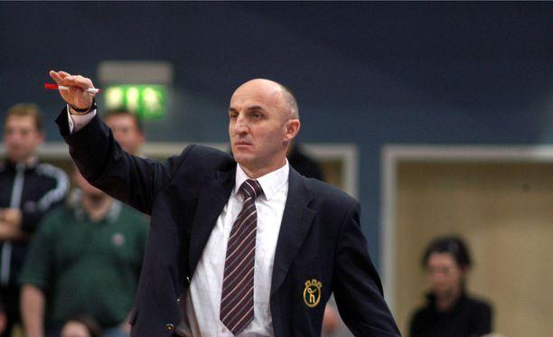 Mihailo Pavicevic tunnettiin todella tulisieluisena valmentajana.