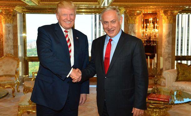 Trump ja Netanjahu tapasivat sunnuntaina New Yorkissa.