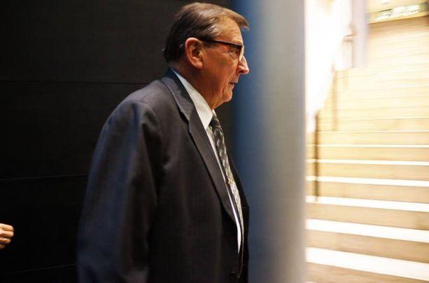 Ex-ministerit Raimo Vistbacka ja...