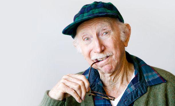 Eletty elämä ei kaduta useimpia seniori-ikäisiä suomalaisista.