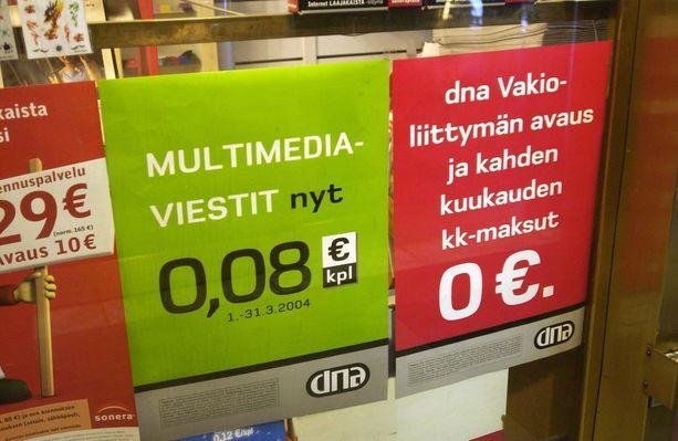 Onko tämä kännykkäoperaattorin mainos malli siitä, miten tiemaksuja peritään Suomessa samaan tapaan kuin operaattorien puhelumaksuja: aja meidän tietämme edullisesti...0,08 senttiä kilometri... (Kuva vuodelta 2004).