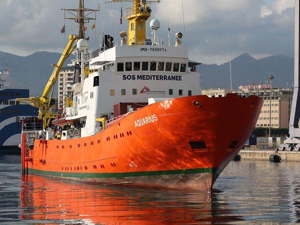 Välimerellä siirtolaisia pelastanut Aquarius-laiva lopettaa toimintasa.
