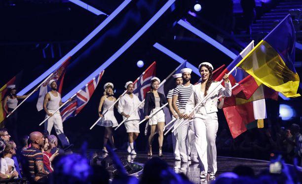 Euroviisuissa riimitellään monella kielellä.
