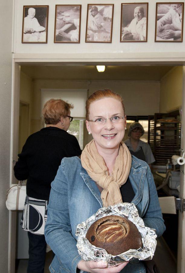 - Hanna Partasen kalakukot ovat käsite, sanoo muikkukukon ostanut Mirkka Tulokas.