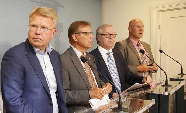 Työmarkkinajärjestöjen puheenjohtajat ovat vääntäneet yhteiskuntasopimuksesta kuukausikaupalla.