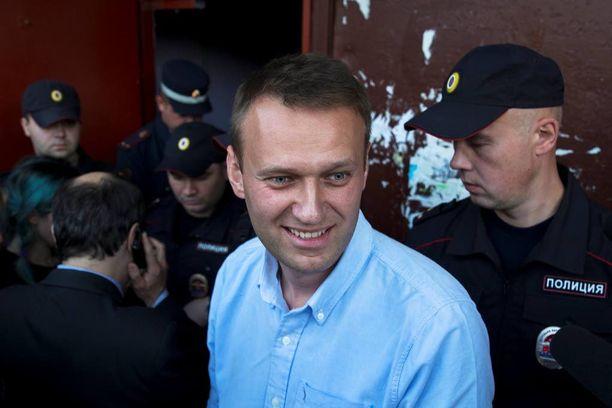 Aleksei Navalnyi sai kermakakkua kasvoilleen tänään Moskovassa. Arkistokuva.
