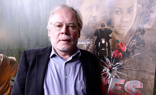 Yle kertoo haastatelleensa noin kahtakymmentä elokuva-alalla vaikuttavaa naista, jotka ovat kertoneet yhdenmukaisesti Lauri Törhösen ahdisteluista.