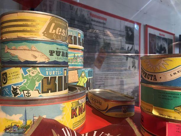 Neuvostoaikaisen menestyksen, Kirovin kalakombinaatin, tuotteita.