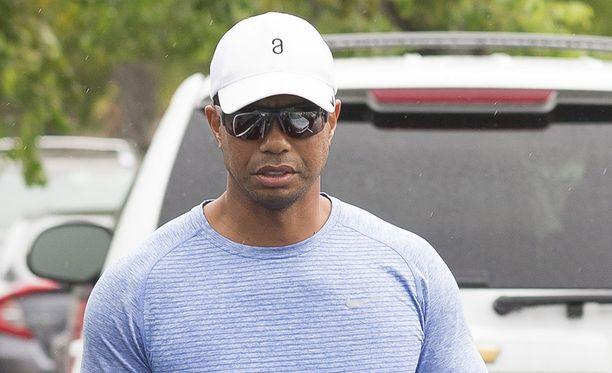 Tiger Woods on ollut kuukausia sivussa golfkentiltä.