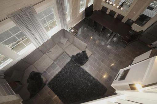 Riihivuoren laskettelukeskuksessa sijaitsevan Iltatähden olohuoneella on korkeutta kuusi metriä.