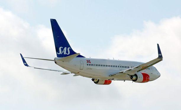 Maanantain peruutukset vaikuttivat yhteensä noin 450 matkustajan matkoihin.