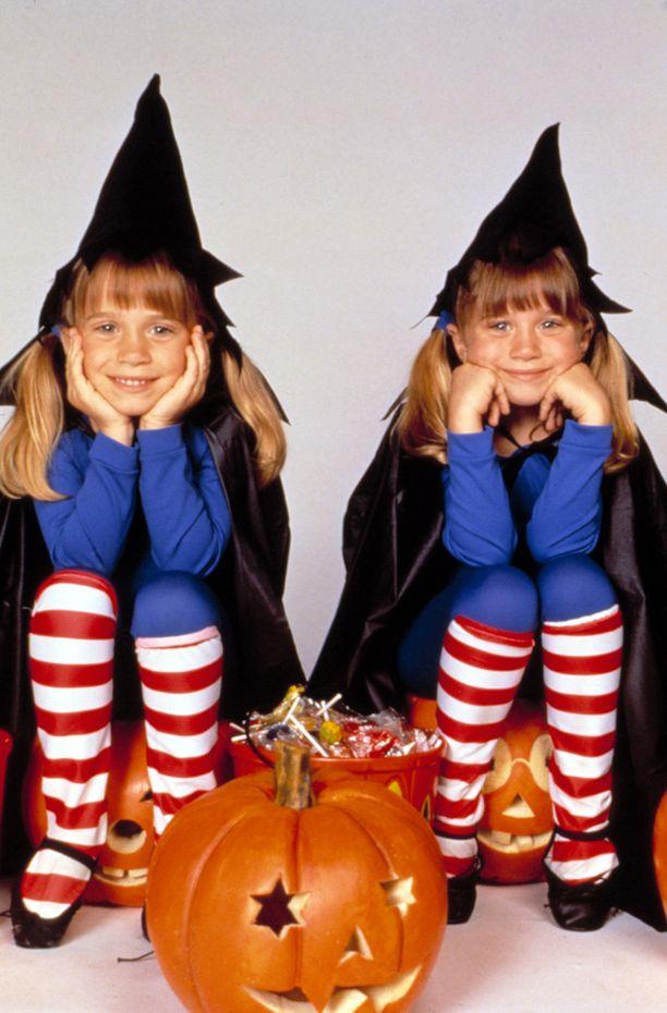1993: Yksi kaksosten ensimmäisistä omista projekteista oli Halloween-aiheinen Double, Double, Toil and Trouble -elokuva.