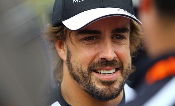 Fernando Alonso vakuuttaa olevansa tyytyväinen McLarenilla.