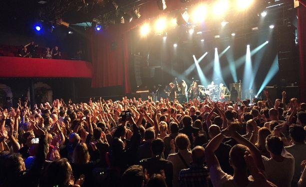 Sting esiintyi lauantai-iltana Bataclanin konserttisalissa.
