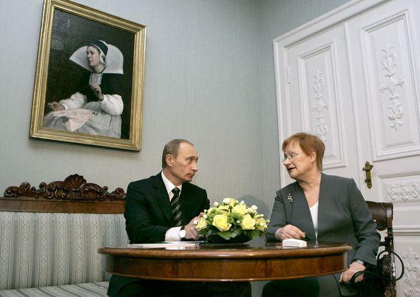 Marraskuussa 2006 Halonen tapasi Putinin Presidentinlinnassa Helsingissä ennen seuraavana päivänä järjestettyä Euroopan unionin ja Venäjän välistä huippukokousta.