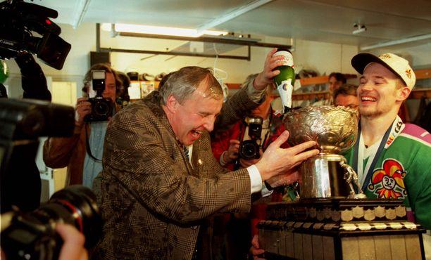 Curt Lundmark johdatti Jokerit Suomen mestariksi keväällä 1997.
