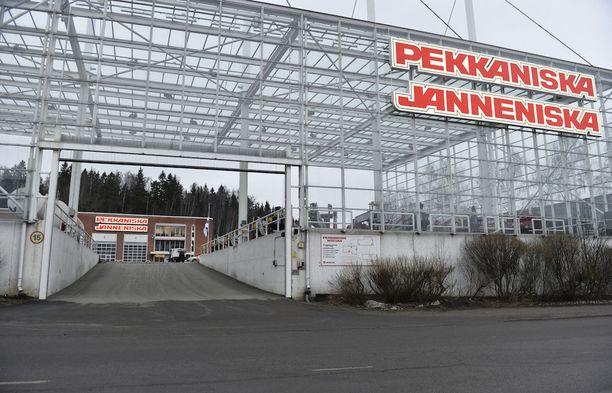 Pekkaniska ja Janneniska ovat isän ja pojan, Pekka ja Janne Niskan elämäntyö.