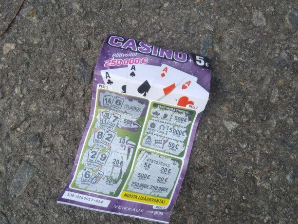 Poisheitetyt arvat voivat joskus tuottaa yllätyksiä, kuten kävi Casino-arvan kohdalla. Kuvan kadulta löytynyt arpa ei kuitenkaan sisältänyt voittoa.