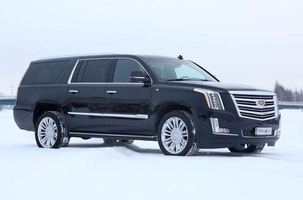 Yksittäisistä automalleista eniten kiinnostusta Kamuxin listauksissa herätti kuvan auton kaltainen Cadillac Escalade.