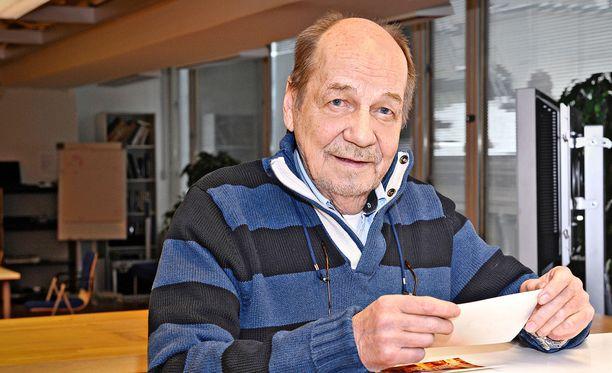 Esko Riihelä tunnettiin pitkäaikaisena liikennetoimittajana.