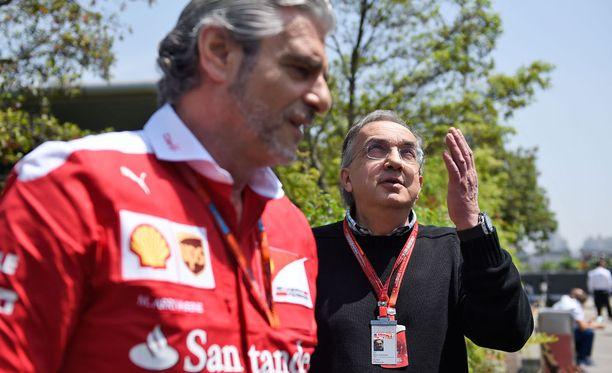 Maurizio Arrivabenen on hilattava Ferrari takaisin kärkitaistoon. Pääjohtaja Sergio Marchionne on seuraa tilannetta lähietäisyydeltä.