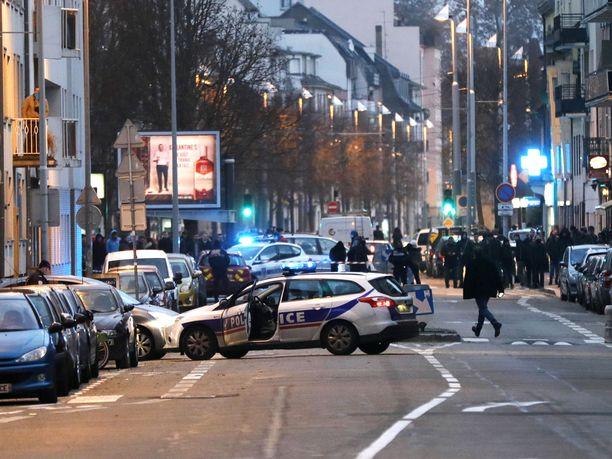 Poliisi järjesti laajan operaation Neudorfin kaupunginosassa Strasbourgissa torstaina.