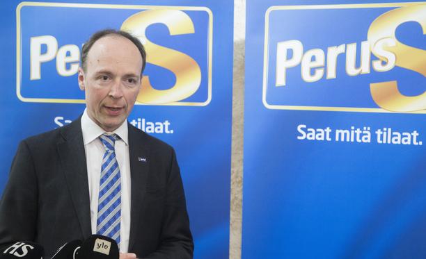 Jussi Halla-ahon johtama perussuomalaiset vahvistaa gallupkärkeään.