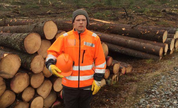 Mika Laitinen perusti oman piha- ja puutyöalan yrityksen toukokuussa.