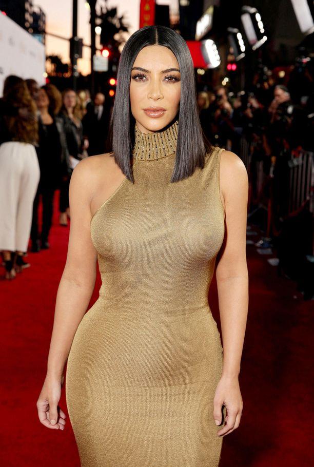 Kim muistutti tyylillisesti kuningatar Kleopatraa.