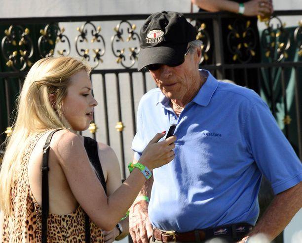 Clint Eastwoodkin nähtiin festareilla. Seurana oli kaunis Francesca-tytär, 19.