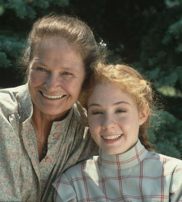 Marilla Cuthbertia esittänyt Colleen Dewhurst ja pääosaroolin Megan Follows edustavat monille 1980- ja 1990-luvun lapsille ainoita oikeita Anna-sarjan hahmoja.