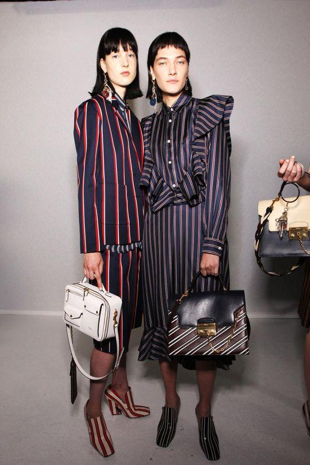 Mulberry ei ole tyytynyt rajoittamaan vain vaatteita: myös laukku ja kengät ovat saaneet trendikuosin pintaansa.
