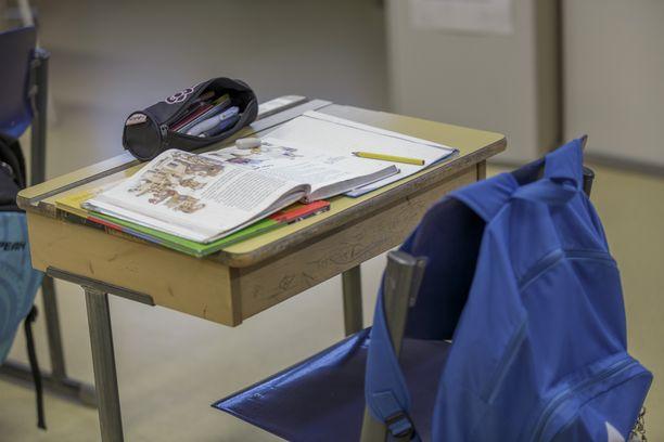 Hollolan Salpakankaan koululla jyllää Norovirus. Kuvituskuva.