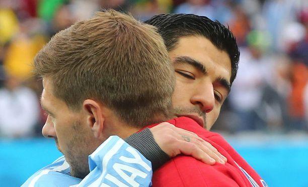 Steven Gerrardin ja Luis Suarezin kausi Liverpoolissa päättyi pettymykseen.